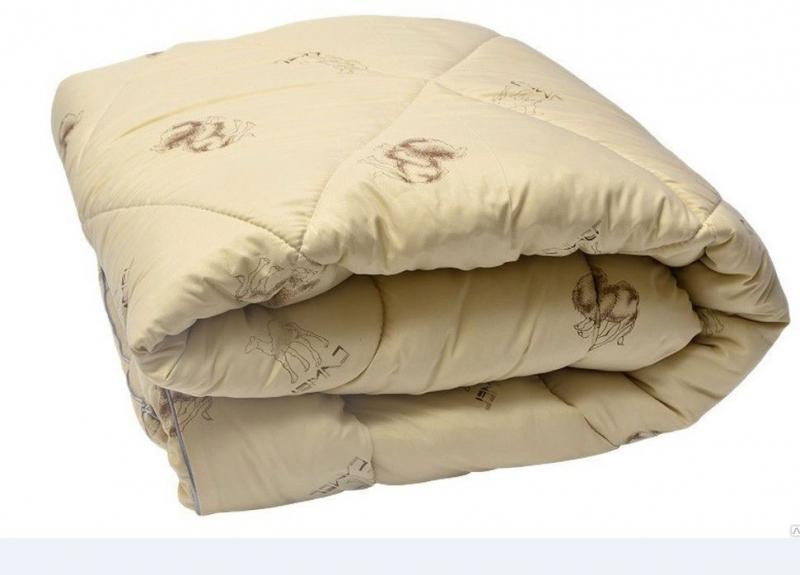 Одеяло Верблюжья шерсть облегч. 140*205, 150гр. упак.чемодан, Монро